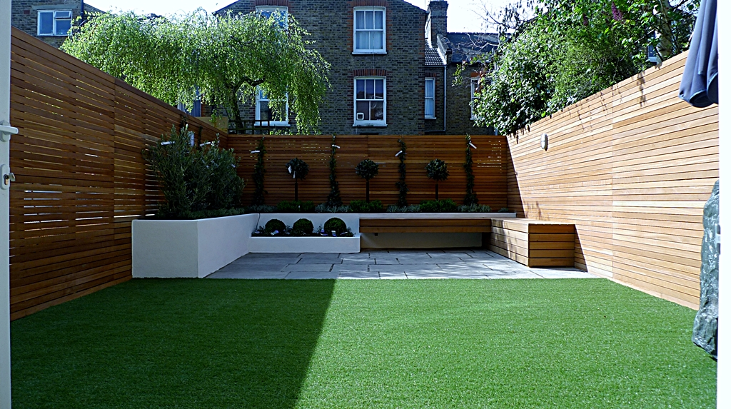London trellis screens london garden fencing londons for Wooden garden screens design